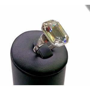 Rodióvaný swarovský prsteň.